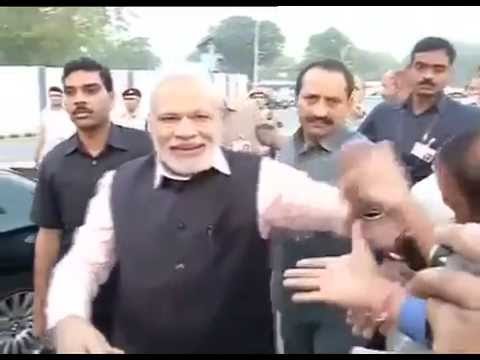 PM Modi arrives home to a warm welcome