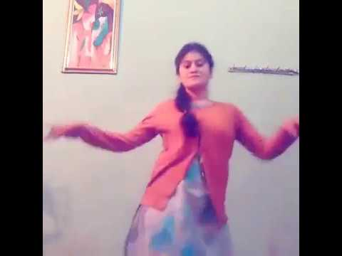 Ridhi Bisht Dancing in Garhwali Song...