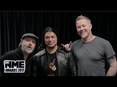 Metallica accept Best International Band supported by Austin, Texas @ VO5 NME Awards 2017