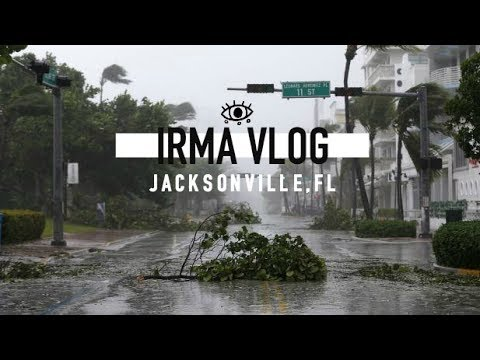 VLOGGING THROUGH HURRICANE IRMA | JACKSONVILLE, FL