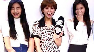 TWICE (트와이스) 정연 '돌발행동'에 빵터진 쯔위와 사나 @스프리스-JYP 브랜드 런칭
