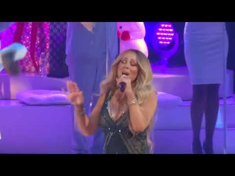 Mariah Carey - When Christmas Comes Live 12-16-17