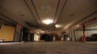 Abandoned Mall with Power -Inside Encounter with Person at 1am