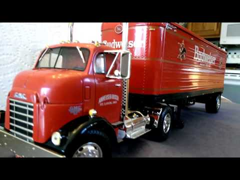1946 GMC Budweiser semi truck - Diecast collectible coin bank.