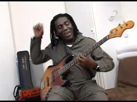 Richard Bona's new Bass: De Gier BeBop, part 1