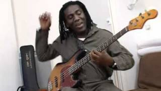 Richard Bona's new Bass: De Gier BeBop, part 1