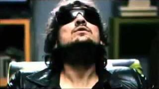 Remote Control - Sussie 4 Feat. Leon Larregui