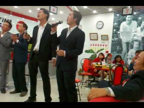 Sếp Maritime Bank hát cùng VPBank
