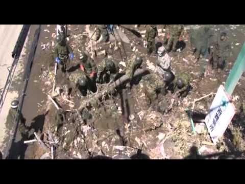 Operation Tomodachi 110401-M-2235F-001