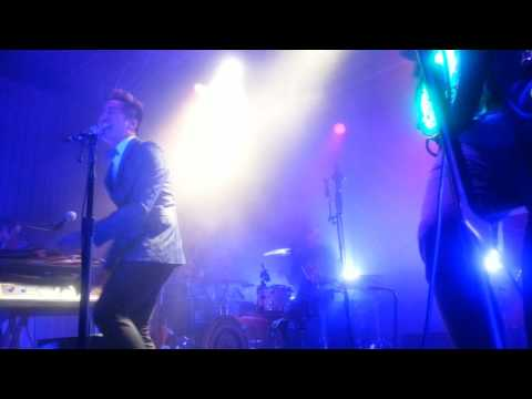KISHI BASHI - Statues in a Gallery (Cleveland, OH 10/8/2016)