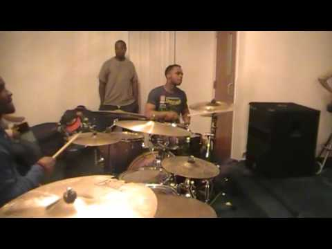 Anthony Burns, Eugene Mcbride and Caleb Robinson shedding to 5