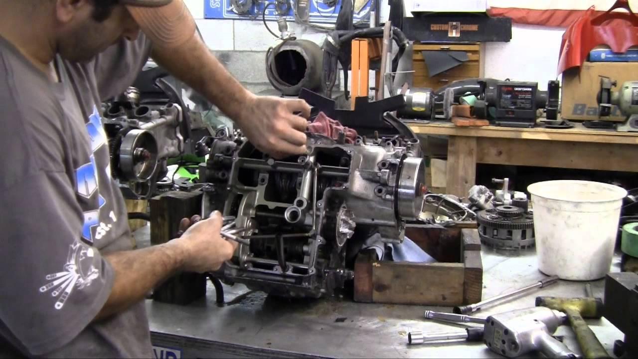 Motorcycle Splitting The Crank Case Pt3