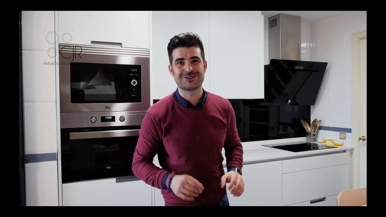Video Cocina pequeña blanca seda Santos Minos Line - YouTube