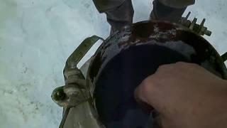 Заправляем ацетиленовый генератор.(Моё видео снято по просьбе подписчиков, которые просили показать, как правильно заряжать ацетиленовый..., 2017-01-31T19:53:26.000Z)