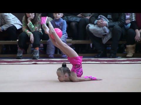 Долеско Аня Зимова казка-2012 23.12.2012 Художественная гимнастика 5 лет дети