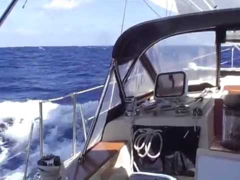 Offshore sailing between Eleuthera and the Lower Abacos (Bahamas)