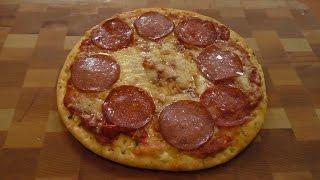 Ленивая пицца(Сегодня я покажу вкусный рецепт из категории на скорую руку. Времени занимает чуть больше, чем сварить пель..., 2015-05-13T11:43:37.000Z)