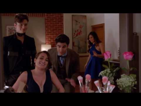 Glee - Rachel is a surrogate for Kurt and Blaine 6x13