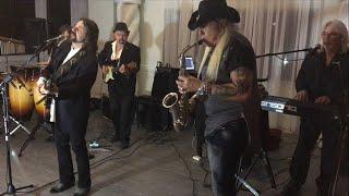 Video Bertie Higgins performs 'Key Largo' download MP3, 3GP, MP4, WEBM, AVI, FLV Juli 2018