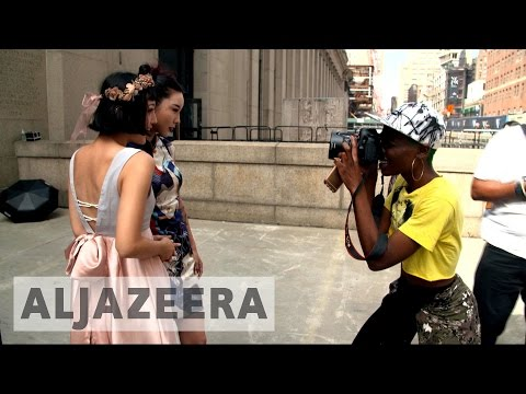 Fashion Week photographer follows latest trends on streets of New York