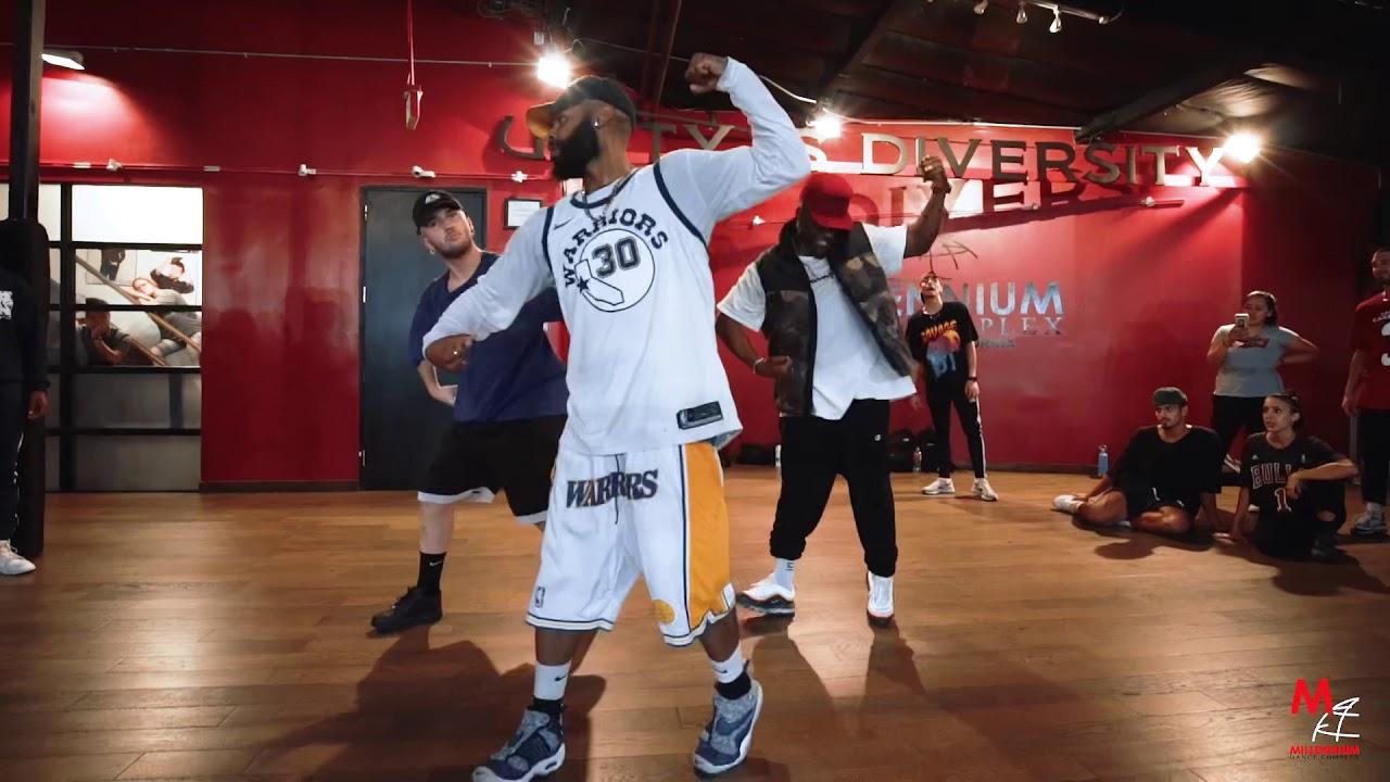 No Guidance - Chris Brown Ft. Drake (We Trending On Twitter! We at 1.5 Million! )