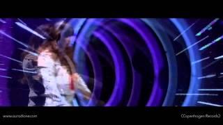 Aura Dione - In Love With The World (Live @ Husk Lige Tandbørsten)