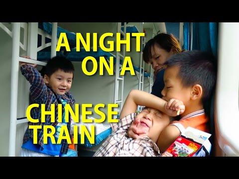 China Vlog: A Night on a Chinese Train