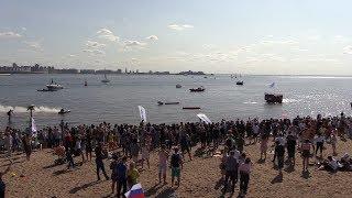 Потешная флотилия в Санкт-Петербурге — видео