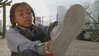 마이클 조던(?)의 농구화를 신고 농구의 신이 된 소년