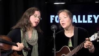 "Folk Alley Sessions: Jay Ungar & Molly Mason Family Band, ""The Blackest Crow"""