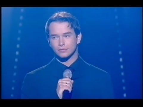"Stephen Gately sings ""Chiquitita"""