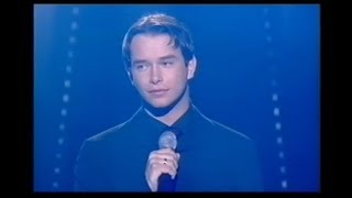 "Stephen Gately sings ""Chiquitita"""