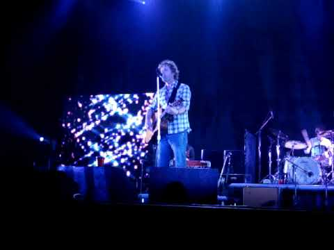 Dierks Bentley - I Wanna Make You Close Your Eyes - Harris, MI - 10/31/09