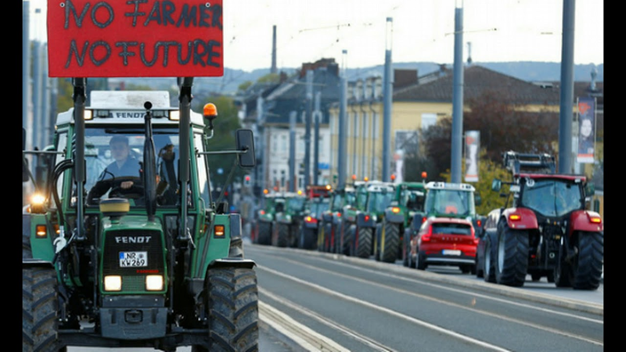 HUNDREDS Of Angry Farmers Roll Out Tractors In German Cities in Protest of New Eco Rules