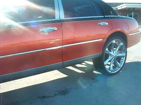 Lincoln Towncar On 26 Inch Rims Youtube