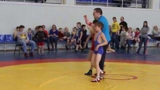 Борьба за 1 место. Илья Исаков в синем трико (Эртиль)