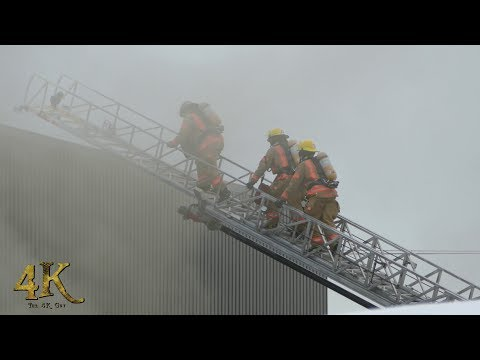 St-Laurent: Incendie machinerie industrielle / Industrial building evacuated 12-15-2017
