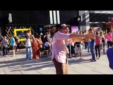 60 years old crazy street dancer in Frankfurt