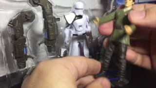 Snowtrooper Officer y Poe Dameron The Force Awakens StarWars 3 75