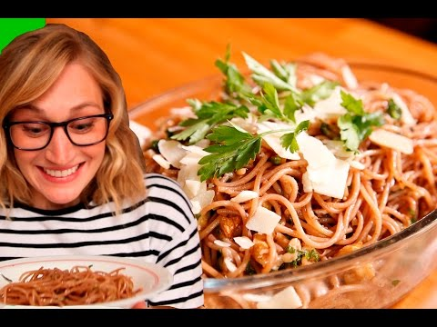 How to make Red Wine Spaghetti (QKatie in Paris Bonus Vlog!)