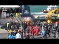 Sea Watch, lo sbarco dei migranti nel porto di Catania