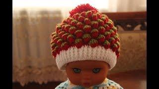 Вяжем красивую шапочку клубничка