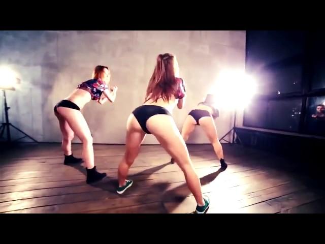porno-kak-tantsuet-zhopam-video-domashnee
