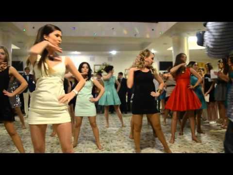 Мода и стиль Платье на выпускной 2015 фото и правила