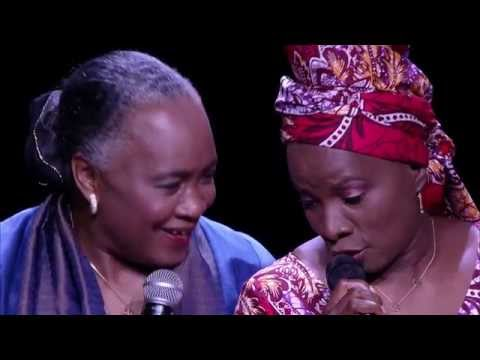 Barbara Hendricks and Angelique Kidjo perform at UNHCR's Nansen Refugee Award ceremony