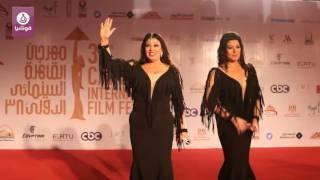 فيفي عبده وابنتها بالإطلالة نفسها في ختام مهرجان القاهرة السينمائي
