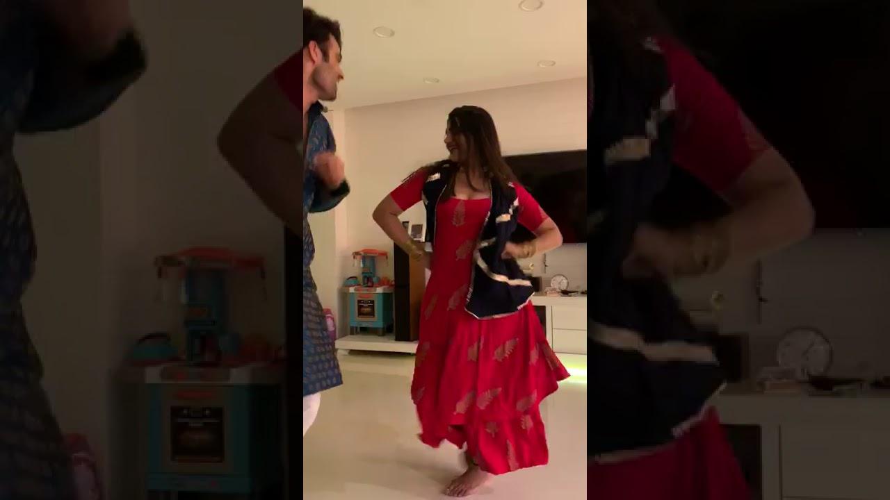 Kriti Verma dancing in diwali party