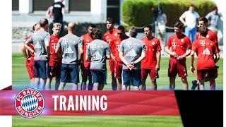 Trainingsauftakt beim FC Bayern LIVE