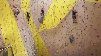 Vertic-Halle - salle d'escalade Suisse romande (version longue)