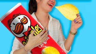 10 DIY Giant Snack vs Miniature Snack / Funny Pranks! SNACK #LIFEHACKS